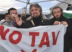 Beppe Grillo con Davide Bono, candidato Presidente alle prossime regionali Piemonte per il MoVimento 5 Stelle