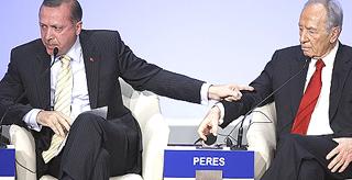 Erdogan con Shimon Peres