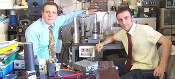 Vincenzo Iorio e Domenico Cirillo in laboratorio
