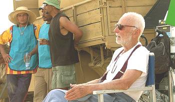 Monicelli sul set di Le rose del deserto 2006