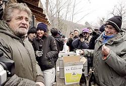 Beppe Grillo presidio No Tav Chiomonte