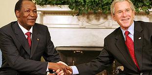 Blaise Compaoré con George Bush