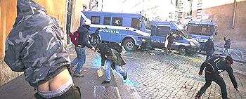 Roma scontri 25