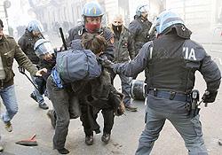 Roma scontri 36