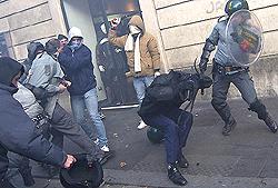 Roma scontri 8