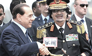 Gheddafi con Berlusconi