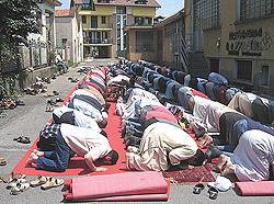 Islam preghiera Italia