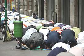 Milano-musulmani-viale-Jenner