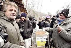 Beppe Grillo al presidio No-Tav di Chiomonte