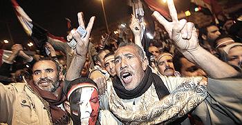Egitto, esultanza per la caduta di Mubarak