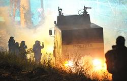 """Chiomonte, 23 luglio: la polizia """"assediata"""" dai No Tav"""