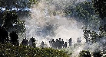 manifestanti No Tav sommersi dai lacrimogeni (foto di Pietro Bondi)