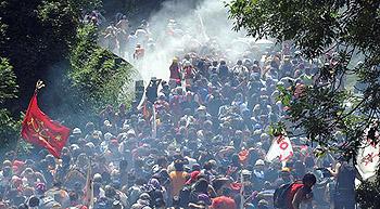 Chiomonte, 3 luglio: lacrimogeni contro la resistenza popolare valsusina