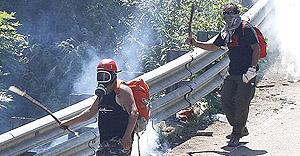 militanti No Tav attaccati con lacrimogeni
