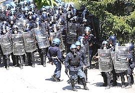 reparti antisommossa in val Susa