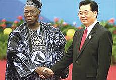 Hu Jintao col presidente nigeriano Obasanjo