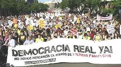 Indignados: manifestazione-fiume a Madrid