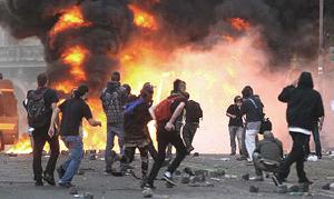 black bloc in azione a Roma il 15 ottobre