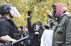 Le proteste a Denver, degenerate in scontri