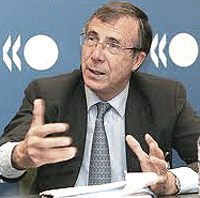 Jan Brinkhorst, euro-commissario e membro del Bilderberg