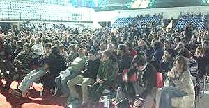 Oltre 2000 al summit riminese organizzato da Paolo Barnard