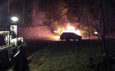 In fiamme auto di manifestanti No-Tav