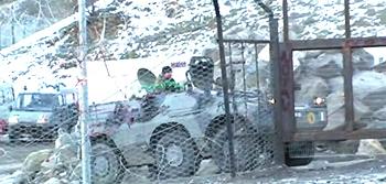 Un'autoblindo Puma nel sito di Chiomonte destinato al futuro cantiere Tav