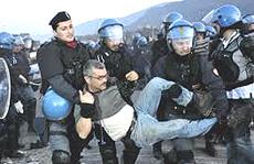 Val Susa: sgombero di manifestanti No-Tav