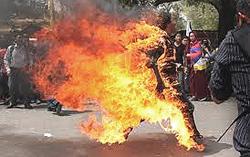 Torcia umana: un bonzo tibetano protesta contro la Cina