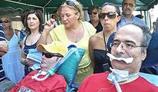 Proteste da parte di malati di Sla