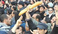 Tunisia, proteste per il pane