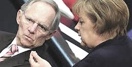 Wolfgang Schäuble, ministro delle finanze, con Angela Merkel