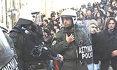 Poliziotti greci