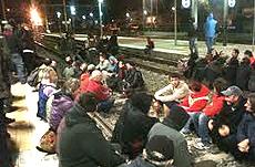 """Val Susa, un sit-in dei No-Tav contro il """"treno nucleare"""""""