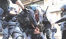 Torino, 5 ottobre: la polizia carica gli studenti
