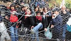 Manifestazione No-Tav attorno al cantiere di Chiomonte