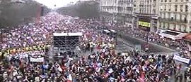 Parigi, la manifestazione oceanica del 24 marzo