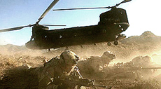 Forze Usa in Afghanistan con un Chinook Ch-47