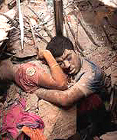 Sepolti vivi: la tragedia di Dhaka