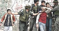 giovani palestinesi arrestati
