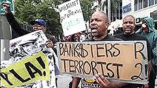 """Proteste contro il """"terrorismo bancario"""""""