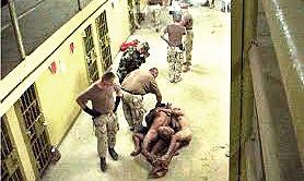 Abu Ghraib, sevizie sui prigionieri iracheni