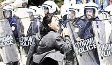 Grecia, proteste contro la Troika