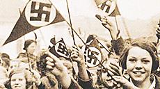 Giovani tedeschi fanatizzati dal nazismo