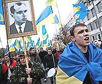 Il filo-nazista Bandera tra le icone della rivolta di Kiev