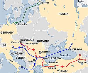 Nabucco (in rosso) contro North Stream (verde) e South Stream (blu)