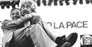 Berlinguer e Grillo (montaggio di Edoardo Baraldi)