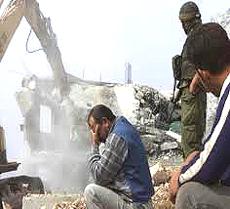 Demolizione di edifici palestinesi