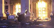L'assalto degli estremisti pro-Kiev