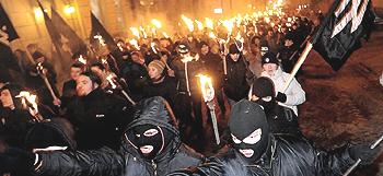 Neonazisti a capo della rivolta anti-russa in Ucraina